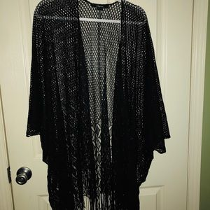 Accessories - Elegant open weave fringed wrap